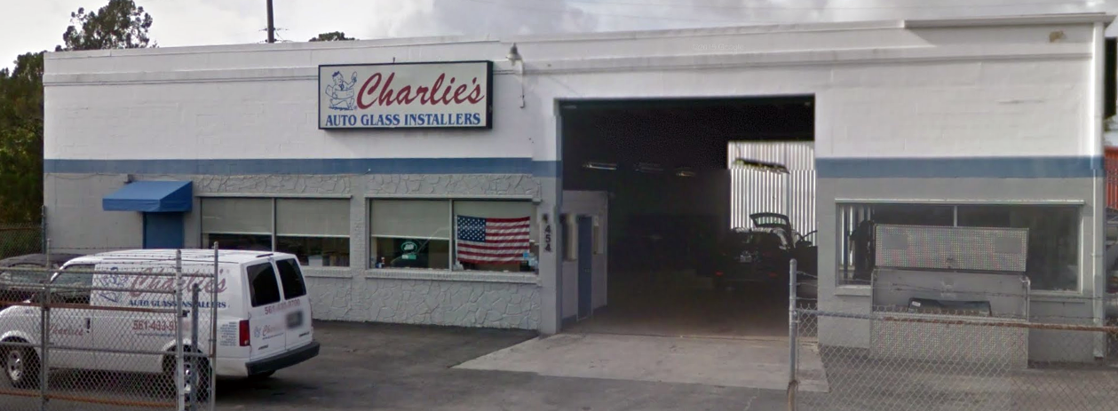 charlies-auto-glass-installer